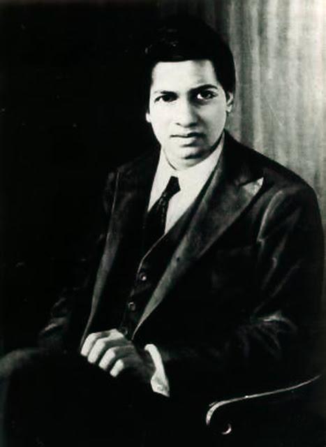 Srinivasa Ramanujan :Η μεγαλοφυΐα που ανακάλυψε όλα τα μαθηματικά από την αρχή - Φωτογραφία 1