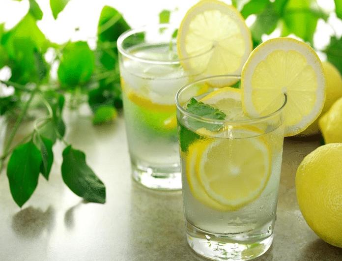 Ζεστό νερό με λεμόνι! 4 λόγοι που πρέπει να γίνει η καθημερινή σου συνήθεια... - Φωτογραφία 1