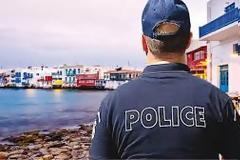Άγριο ξύλο στα σοκάκια της Μυκόνου ανάμεσα σε 4 αστυνομικούς με πολιτικά και 2 θαμώνες μπαρ