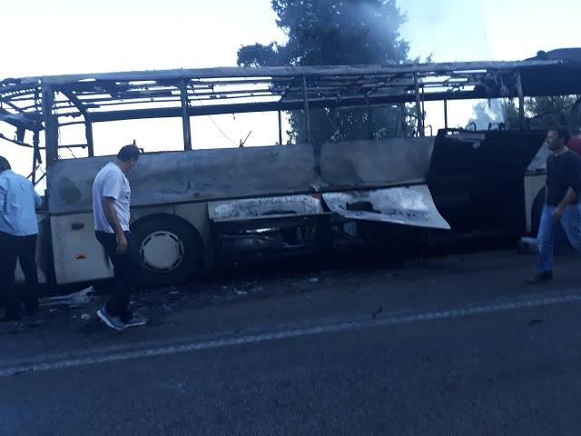 Λεωφορείο του ΚΤΕΛ Λευκάδας ενώ εκτελούσε δρομολόγιο κάηκε ολοσχερώς | ΦΩΤΟ - Φωτογραφία 1