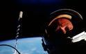 Η πρώτη selfie στο διάστημα