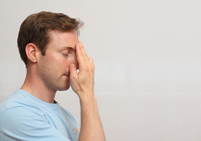Τεχνική αναπνοής μειώνει επιτόπου το άγχος! Πώς να την εκτελέσετε [vid] - Φωτογραφία 2