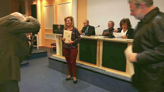 Απονομή Επαίνου για την ποιήτρια ΒΑΣΙΛΙΚΗ ΠΑΝΤΑΖΗ απο την ΠΑΛΑΙΡΟ, απο την Πανελλήνια Ένωση Λογοτεχνών   ΦΩΤΟ - Φωτογραφία 3