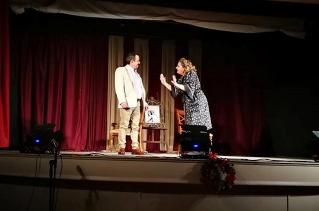 ΑΜΦΙΚΤΙΟΝΙΑ ΑΚΑΡΝΑΝΩΝ: Γοήτευσε η θεατρική ομάδα «Θεάτρου Πορεία» του Ν.Π. ΟΤΟΕ Πρέβεζας στην παράσταση Τρία μονόπρακτα - Φωτογραφία 2