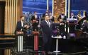 The 2Night Show: Ποιο πρόσωπο-έκπληξη από το Καφέ Της Χαράς έρχεται απόψε στο show; - Φωτογραφία 1