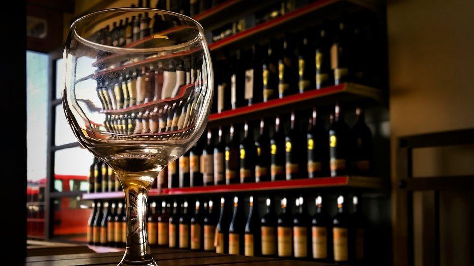Ο Ειδικός Φόρος στο Κρασί καταργείται από την Πρωτοχρονιά - Φωτογραφία 1