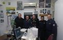 Ευχές και δώρα στους αστυνομικούς από την ΙΡΑ Τρικάλων - Φωτογραφία 2