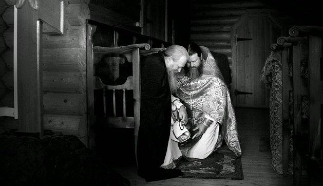 (†) Μοναχός Μωυσής Αγιορείτης - Πολλοί εξομολογούνται, πόσοι όμως μετανοούν; - Φωτογραφία 1
