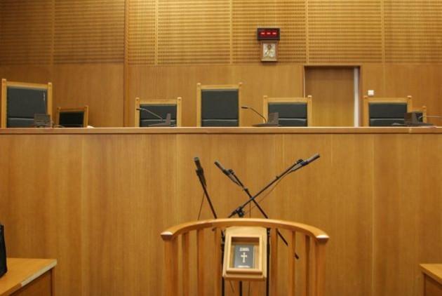 Ισόβια για υπεξαίρεση σε πρώην διευθυντή τράπεζας στην Κάρπαθο - Φωτογραφία 1