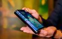 Το Verge: Το πρώτο πτυσσόμενο τηλέφωνο στον κόσμο είναι γοητευτικά τρομερό
