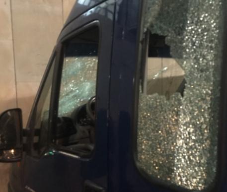 Έστειλαν τους αστυνομικούς στο στόμα του λύκου- Γνώριζαν ότι τους περίμεναν- Ο οδηγός πυροβόλησε για να γλιτώσει - Δεν επέτρεψαν και πάλι τις συλλήψεις - Φωτογραφία 1