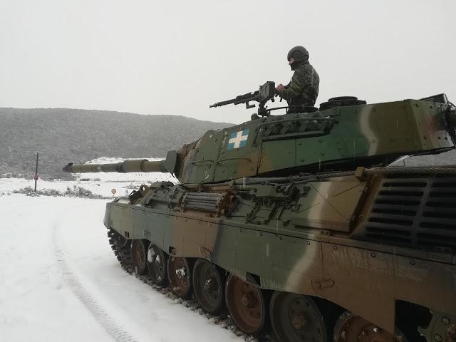 Εντυπωσιακές φωτό: Ο Στρατός Ξηράς στα Χιόνια - Φωτογραφία 16