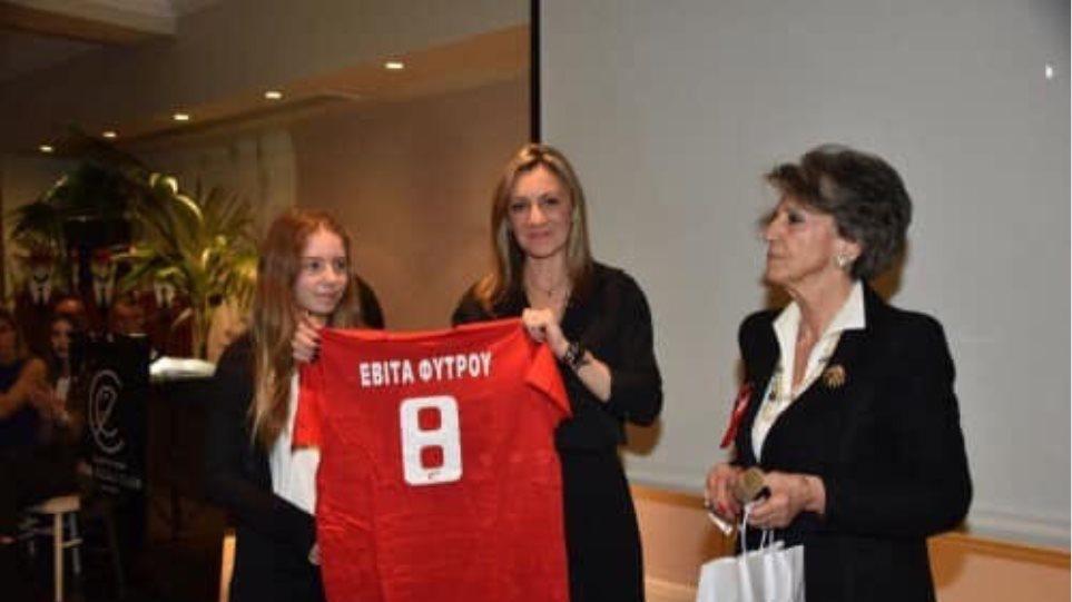 Μάτι: Ο Ζηρίνειος Αθλητικός Ομιλος Νέων τίμησε την 13χρονη Εβίτα που χάθηκε στην πυρκαγιά - Φωτογραφία 1