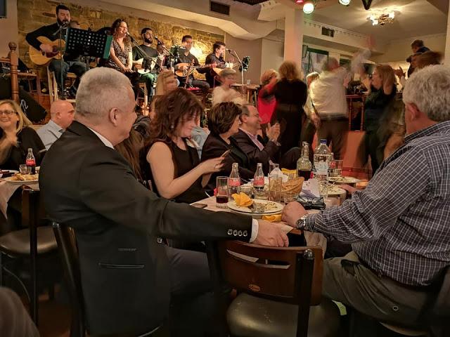 Με πολύ κόσμο η χοροεσπερίδα του Συλλόγου ΑΣΤΑΚΙΩΤΩΝ | ΦΩΤΟ - Φωτογραφία 1