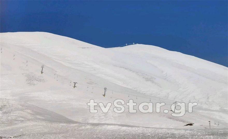 Εντυπωσιακές εικόνες από το χιόνι στο Βελούχι: Έφτασε τα έξι μέτρα! - Φωτογραφία 10