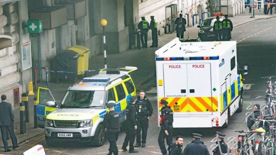 Ο «Νέος IRA» πίσω από τα τρία πακέτα βόμβες; - Φωτογραφία 1