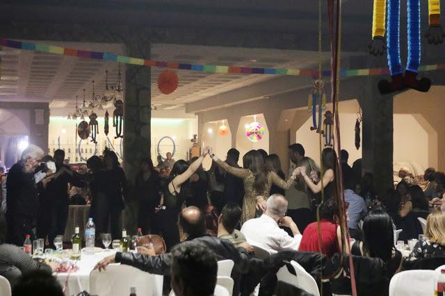 Πολυκοσμία στον Αποκριάτικο χορό του ΗΡΑΚΛΗ ΑΣΤΑΚΟΥ στο κτήμα ΙΟΝΙΟ (φωτο: Make art) - Φωτογραφία 111