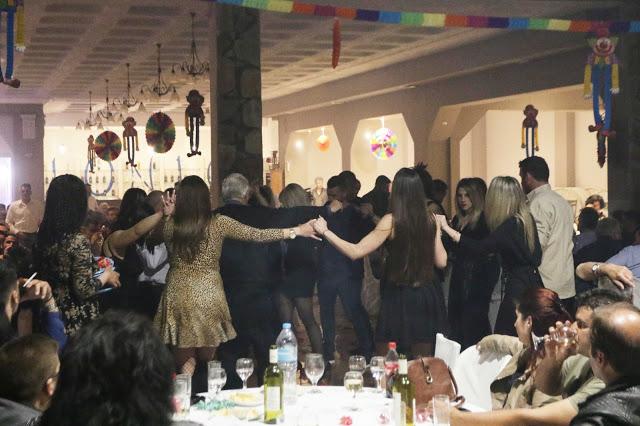 Πολυκοσμία στον Αποκριάτικο χορό του ΗΡΑΚΛΗ ΑΣΤΑΚΟΥ στο κτήμα ΙΟΝΙΟ (φωτο: Make art) - Φωτογραφία 112