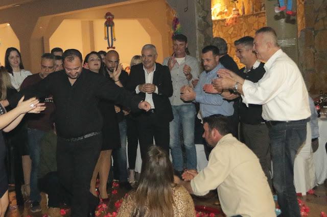 Πολυκοσμία στον Αποκριάτικο χορό του ΗΡΑΚΛΗ ΑΣΤΑΚΟΥ στο κτήμα ΙΟΝΙΟ (φωτο: Make art) - Φωτογραφία 114