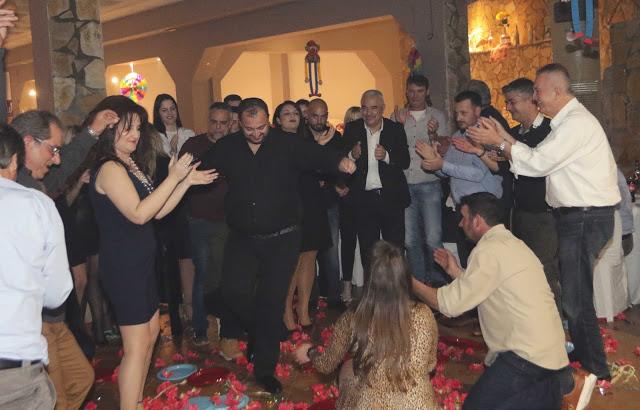 Πολυκοσμία στον Αποκριάτικο χορό του ΗΡΑΚΛΗ ΑΣΤΑΚΟΥ στο κτήμα ΙΟΝΙΟ (φωτο: Make art) - Φωτογραφία 116