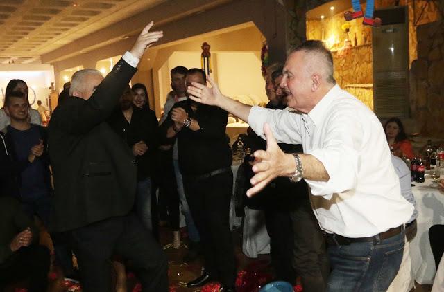 Πολυκοσμία στον Αποκριάτικο χορό του ΗΡΑΚΛΗ ΑΣΤΑΚΟΥ στο κτήμα ΙΟΝΙΟ (φωτο: Make art) - Φωτογραφία 120