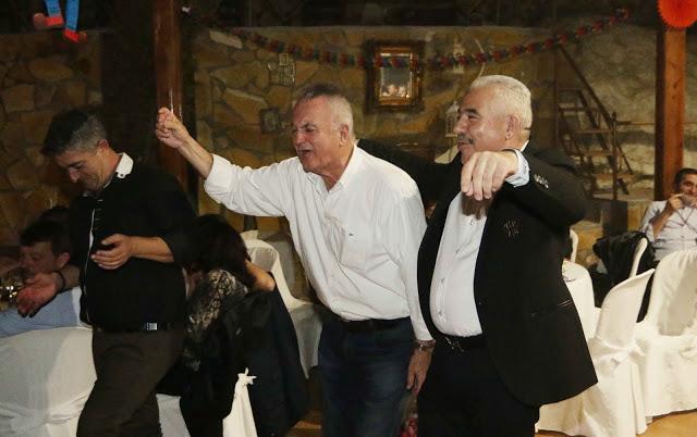 Πολυκοσμία στον Αποκριάτικο χορό του ΗΡΑΚΛΗ ΑΣΤΑΚΟΥ στο κτήμα ΙΟΝΙΟ (φωτο: Make art) - Φωτογραφία 128