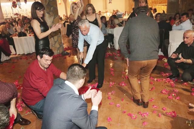 Πολυκοσμία στον Αποκριάτικο χορό του ΗΡΑΚΛΗ ΑΣΤΑΚΟΥ στο κτήμα ΙΟΝΙΟ (φωτο: Make art) - Φωτογραφία 134