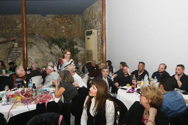 Πολυκοσμία στον Αποκριάτικο χορό του ΗΡΑΚΛΗ ΑΣΤΑΚΟΥ στο κτήμα ΙΟΝΙΟ (φωτο: Make art) - Φωτογραφία 97