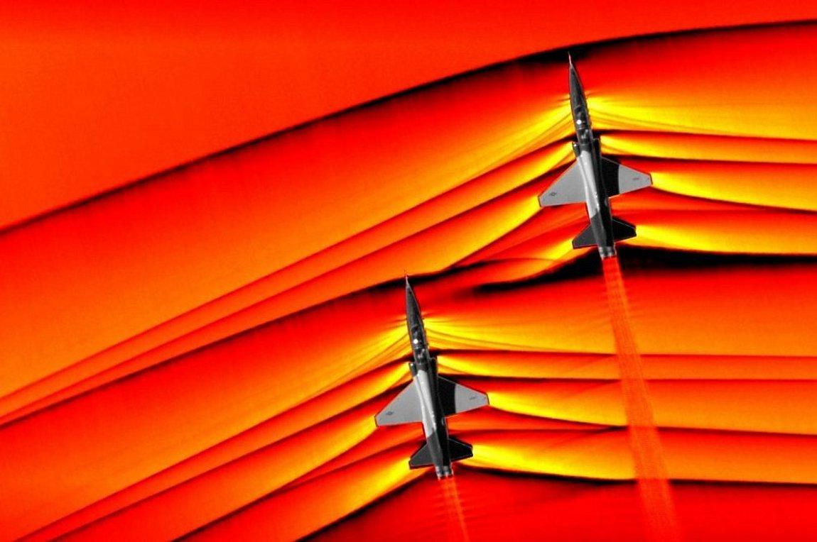NASA: Δείτε μαχητικά αεροσκάφη να «σπάνε» το φράγμα του ήχου - Φωτογραφία 1