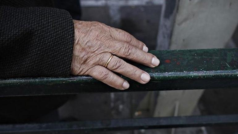 Η μνημονιακή χρηματοδότηση της Υγείας υπεύθυνη για τη μείωση του προσδόκιμου ζωής στην Ελλάδα - Φωτογραφία 1