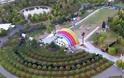 Στην καρδιά του Apple Park στήθηκε μια μυστηριώδης σκηνή