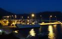 Επιτέλους, φώτα στο λιμάνι του Μύτικα!