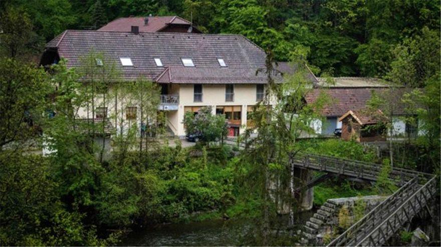 Βαυαρία: Τρεις βαλλίστρες, πέντε πτώματα, δύο διαθήκες, ένας γρίφος - Φωτογραφία 1