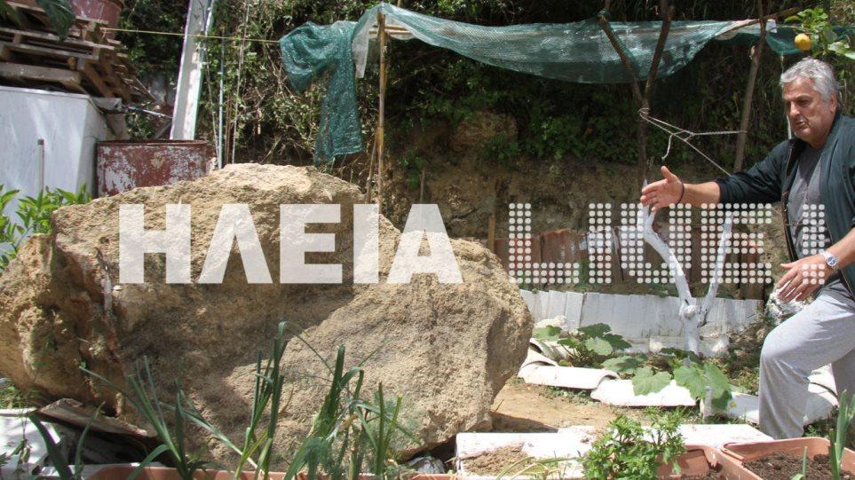 Ζημιές από τους σεισμούς στην Ηλεία - Βράχος έπεσε σε αυλή σπιτιού - Φωτογραφία 1