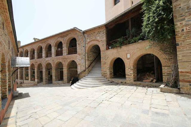 12049 - Η διαδρομή Βατοπαίδι - Παντοκράτορος από το μονοπάτι (φωτογραφίες) - Φωτογραφία 49