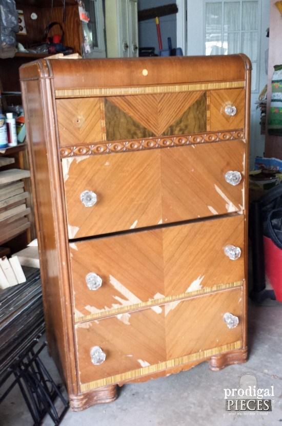 ΚΑΤΑΣΚΕΥΕΣ - Αγόρασε αυτήν την παλιά Συρταριέρα για $5. Μόλις δείτε πώς την Μετέτρεψε; Θα τρίβετε τα μάτια σας! - Φωτογραφία 1