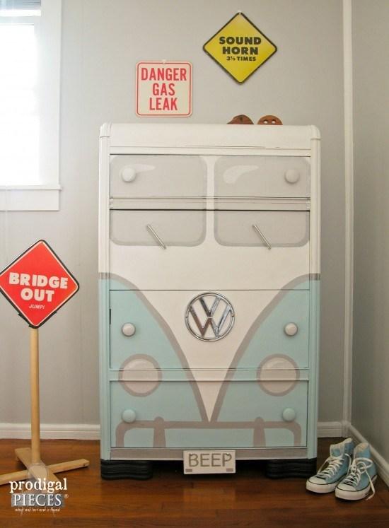 ΚΑΤΑΣΚΕΥΕΣ - Αγόρασε αυτήν την παλιά Συρταριέρα για $5. Μόλις δείτε πώς την Μετέτρεψε; Θα τρίβετε τα μάτια σας! - Φωτογραφία 5