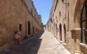 Μεσαιωνική πόλη Ρόδου: Το αντάμωμα της ιστορίας και της σύγχρονης ζωής