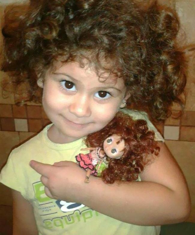 Παιδιά τα οποία είναι ολόιδια με τις κούκλες τους!! (Φωτογραφίες) - Φωτογραφία 13