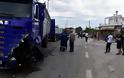 Εικόνες-σοκ: Φονική σύγκρουση αγροτικού με φορτηγό - Ένας νεκρός - Φωτογραφία 5