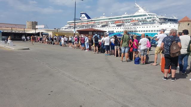 Έλλειψη υποδομών στο τουριστικό λιμάνι Ρόδου - φωτος - Φωτογραφία 1