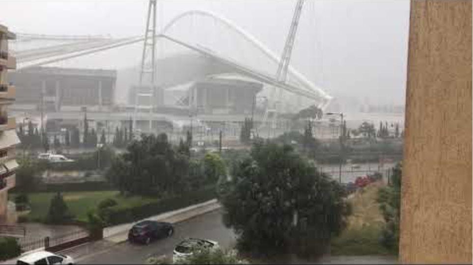 Σφοδρή καταιγίδα έπληξε την Αττική: Ποτάμια οι δρόμοι - Προβλήματα στην κυκλοφορία - Φωτογραφία 5