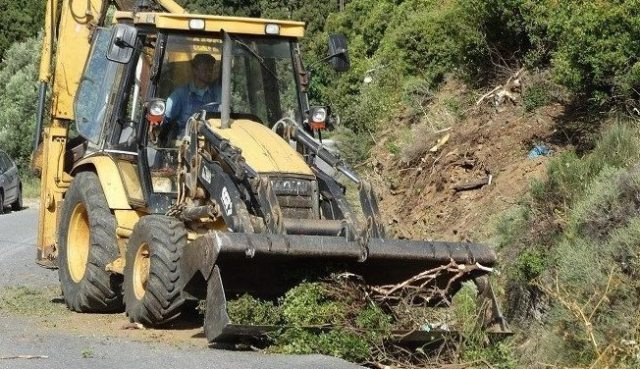 Eργατικό Κέντρο Αγρινίου με αφορμή το εργατικό ατύχημα στην εθνική οδό Αμιλοχίας -Βόνιτσας στο ύψος του Θυρρείου: «Eλλιπή έως ανύπαρκτα μέτρα ασφάλειας» - Φωτογραφία 1