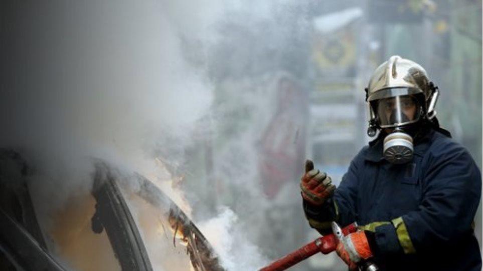 Φωτιά σε αυτοκίνητο στο ύψος της Λεωφόρου Καβάλας - Φωτογραφία 1