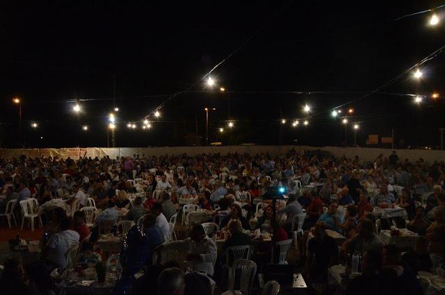 Με πολύ κόσμο πραγματοποιήθηκε το πανηγύρι Γιορτή Λαού 2019 στη Γέφυρα Αχελώου Αγρινίου -ΦΩΤΟ - Φωτογραφία 13