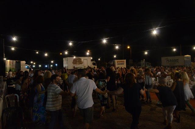 Με πολύ κόσμο πραγματοποιήθηκε το πανηγύρι Γιορτή Λαού 2019 στη Γέφυρα Αχελώου Αγρινίου -ΦΩΤΟ - Φωτογραφία 19