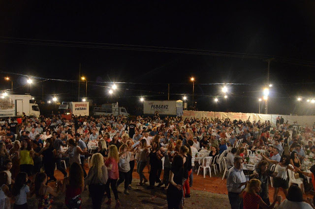 Με πολύ κόσμο πραγματοποιήθηκε το πανηγύρι Γιορτή Λαού 2019 στη Γέφυρα Αχελώου Αγρινίου -ΦΩΤΟ - Φωτογραφία 28