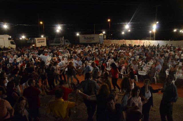 Με πολύ κόσμο πραγματοποιήθηκε το πανηγύρι Γιορτή Λαού 2019 στη Γέφυρα Αχελώου Αγρινίου -ΦΩΤΟ - Φωτογραφία 35