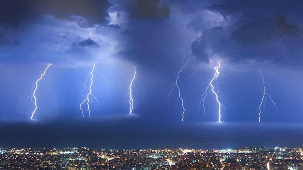 Καιρός: «Ηλεκτρικές» καταιγίδες: Πάνω από 10.000 κεραυνοί έπεσαν σε 12 ώρες - Φωτογραφία 1
