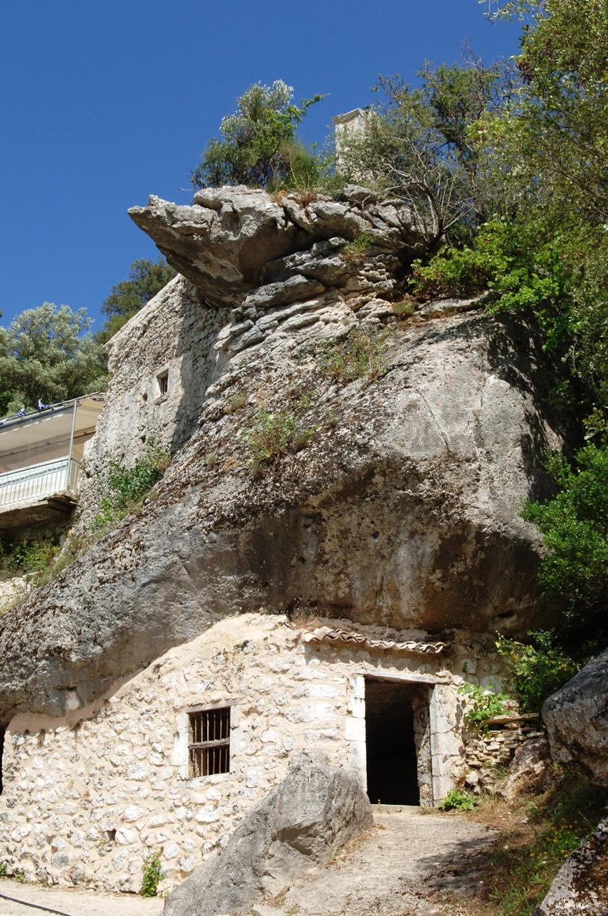 Μοναστήρια στο νησί της Λευκάδας - Φωτογραφία 3